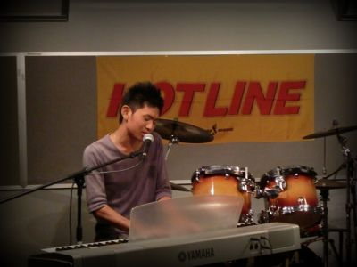奈良店 HOTLINE2010 8月 喜占 翔 ピアノ 弾き語り