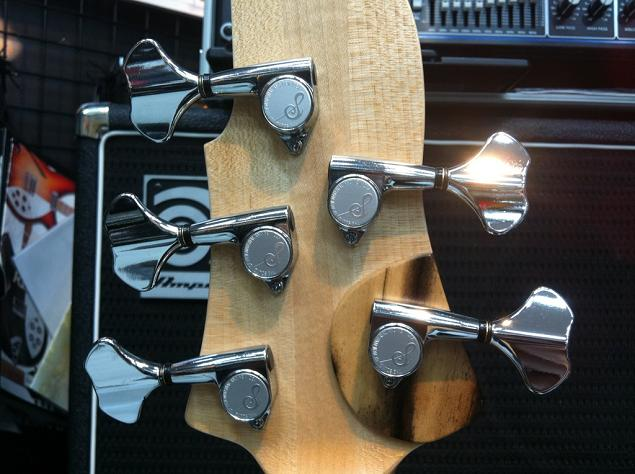Sago New Material Guitars Ridill5