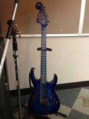 ケリーサイモン氏 ギター3