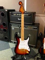 ケリーサイモン氏 ギター1