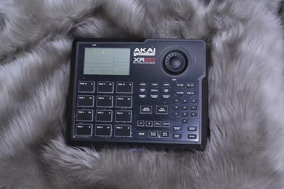 AKAI / XR20