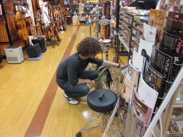 ドラムの中村さん!
