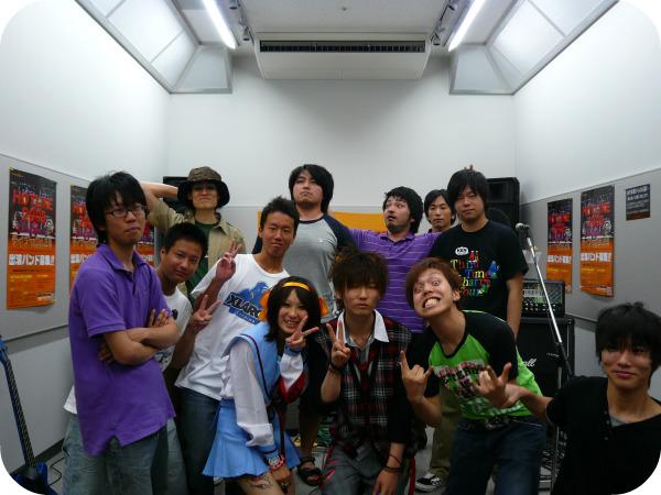 日吉津店スタジオライブ8月16日集合写真