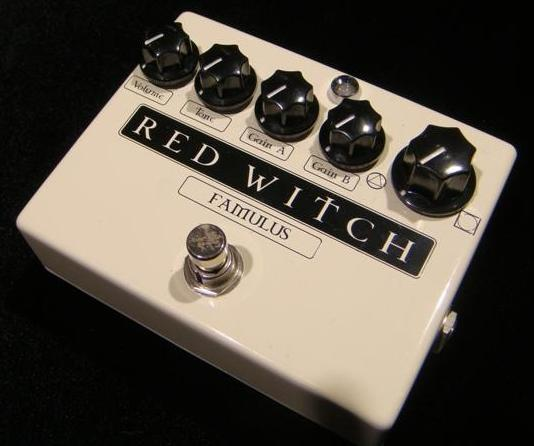 RED WITCH:FAMULUS