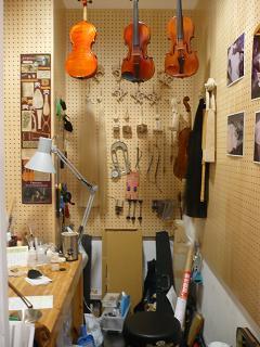 弦楽器リペア室