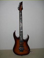 山根先生ギター