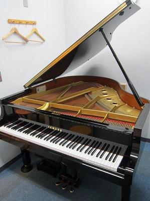 島村楽器長崎アミュプラザ店 レッスン室グランドピアノ