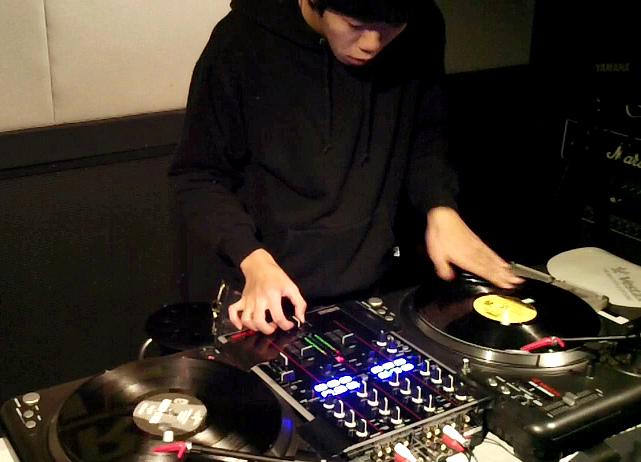 DJ SYUN-SUKE