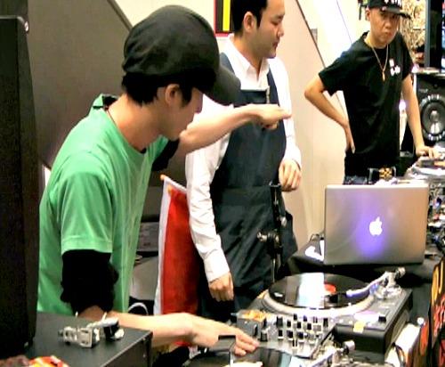 DJ Castella1回戦1本目