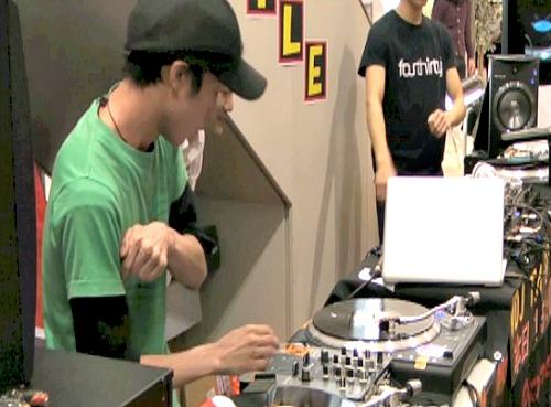 DJ Castella三位決定戦一本目