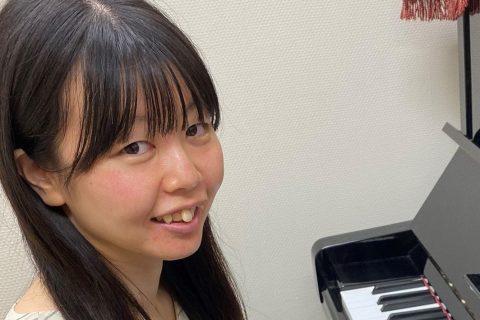 スタッフ写真ピアノインストラクター北風 理沙