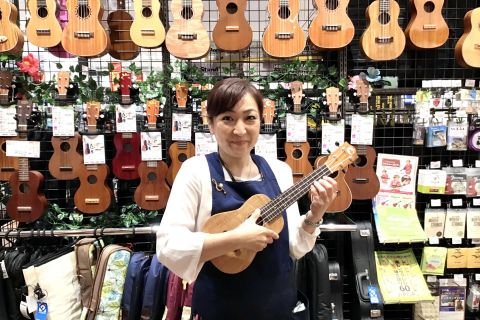 スタッフ写真音楽教室・ウクレレサークル鈴木