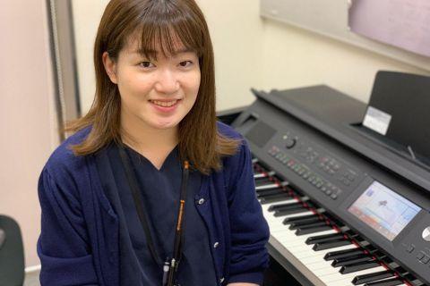 スタッフ写真ピアノインストラクター伊藤