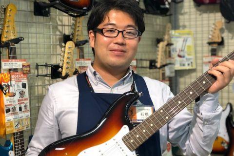 スタッフ写真ギターアドバイザー ギター、ベース、ウクレレ、ドラム、アンプ、エフェクター担当石橋