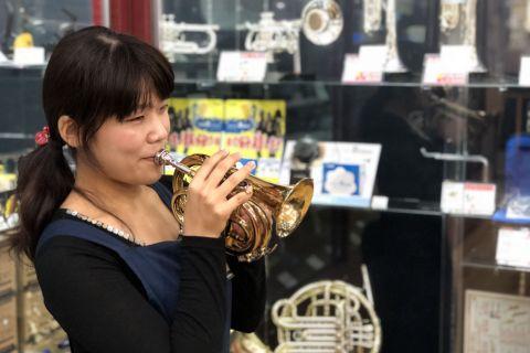 スタッフ写真管・弦楽器アドバイザー 管楽器、楽譜、ファンシーグッズ廣瀨