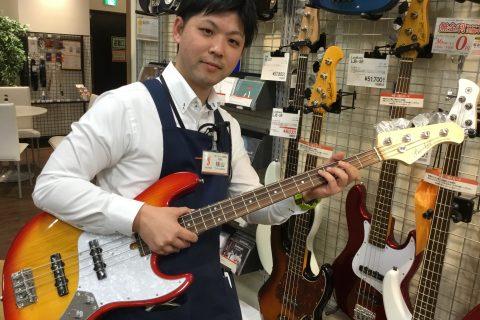 スタッフ写真副店長 ギターアドバイザー ギター、ベース、アンプ、エフェクター担当横山