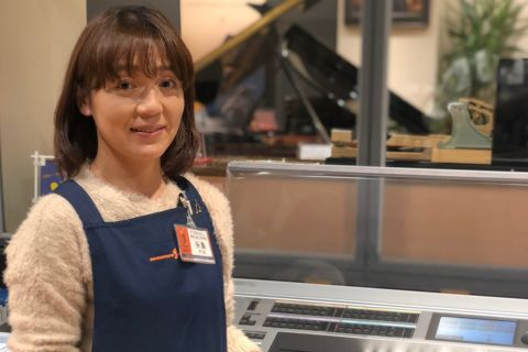 スタッフ写真エレクトーン・楽譜・ファンシー・ピティナ市川支部運営・ピアラグレード矢島