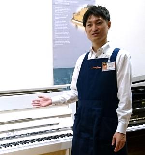 スタッフ写真ピアノシニアアドバイザー・防音アドバイザー鈴木