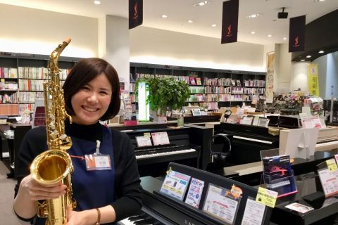 スタッフ写真店長・ピアノアドバイザー池田