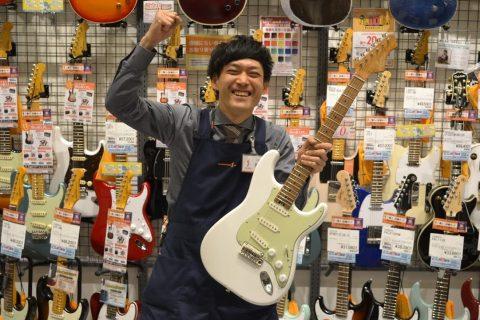 スタッフ写真ギターアドバイザー・音楽教室・デジタル製品 担当鬼頭
