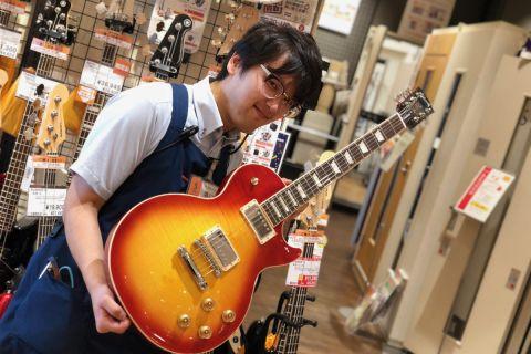 スタッフ写真エレキギター・エフェクター・DTM・ギターリペア隅田