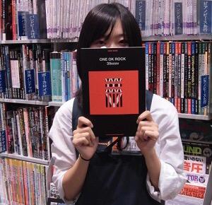 スタッフ写真店舗HP平川