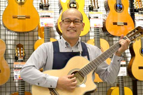 スタッフ写真店長和田