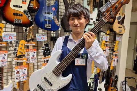 スタッフ写真エレキギター米島