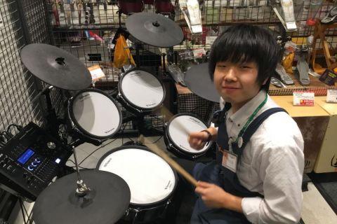 スタッフ写真ドラム、ドラムアクセサリー石郷