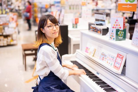 スタッフ写真キーボード/ピアノアクセサリー高橋