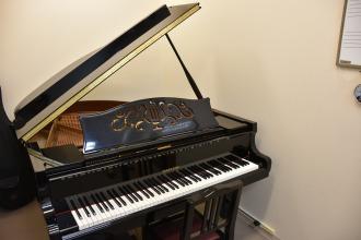 S部屋 グランドピアノ