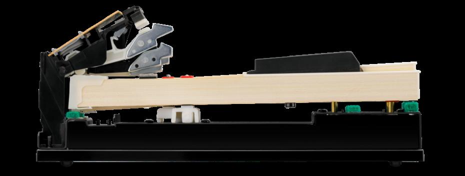 白鍵・黒鍵ともに木製で、しかもグランドピアノと同じシーソー式の構造を取り入れたシーソー式木製鍵盤グランド・フィール・スタンダード・アクション。鍵盤の動きを3つのセンサーできめ細かく感知し、グランドピアノ独特の表現力、豊かなタッチなどシーソー式木製鍵盤ならではの魅力をもっと身近に感じてください。
