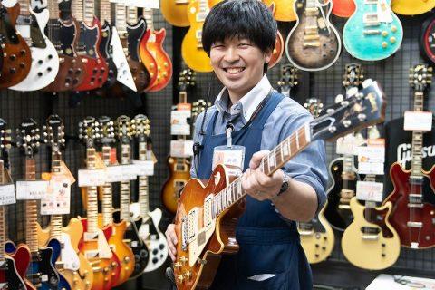 スタッフ写真副店長・音楽教室・アコースティックギター岩崎