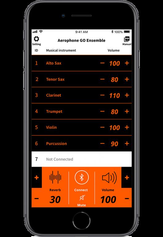 iPhone / Android のどちらのスマート・デバイスに対応 iOS11以降、Android 7 以降に対応 App Store (iOS), Google Play (Android) から無料ダウンロード Bluetooth 経由でワイヤレス接続 7台のAerophone GOを1台のスマホと接続して同時に演奏 各奏者が 19音色から、個別に異なる音色を選択してアンサンブル 各パートの音量バランスを1台のスマホでミキシング、リバーブをかけて外部スピーカーに出力可能