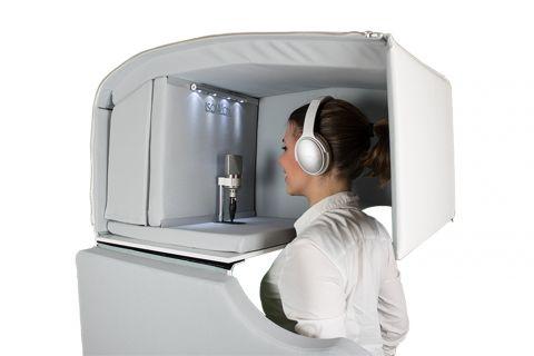 ISOVOX(アイソヴォックス)社の、外部のすべての方向からの音波を制御し、録音時の不要な室内反射を防いで自宅でもスタジオクラスのレコーディングを可能にする革新的なボーカルブース「ISOVOX 2」を発売します。