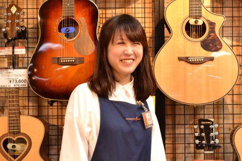 スタッフ写真ギターアクセサリー朝日