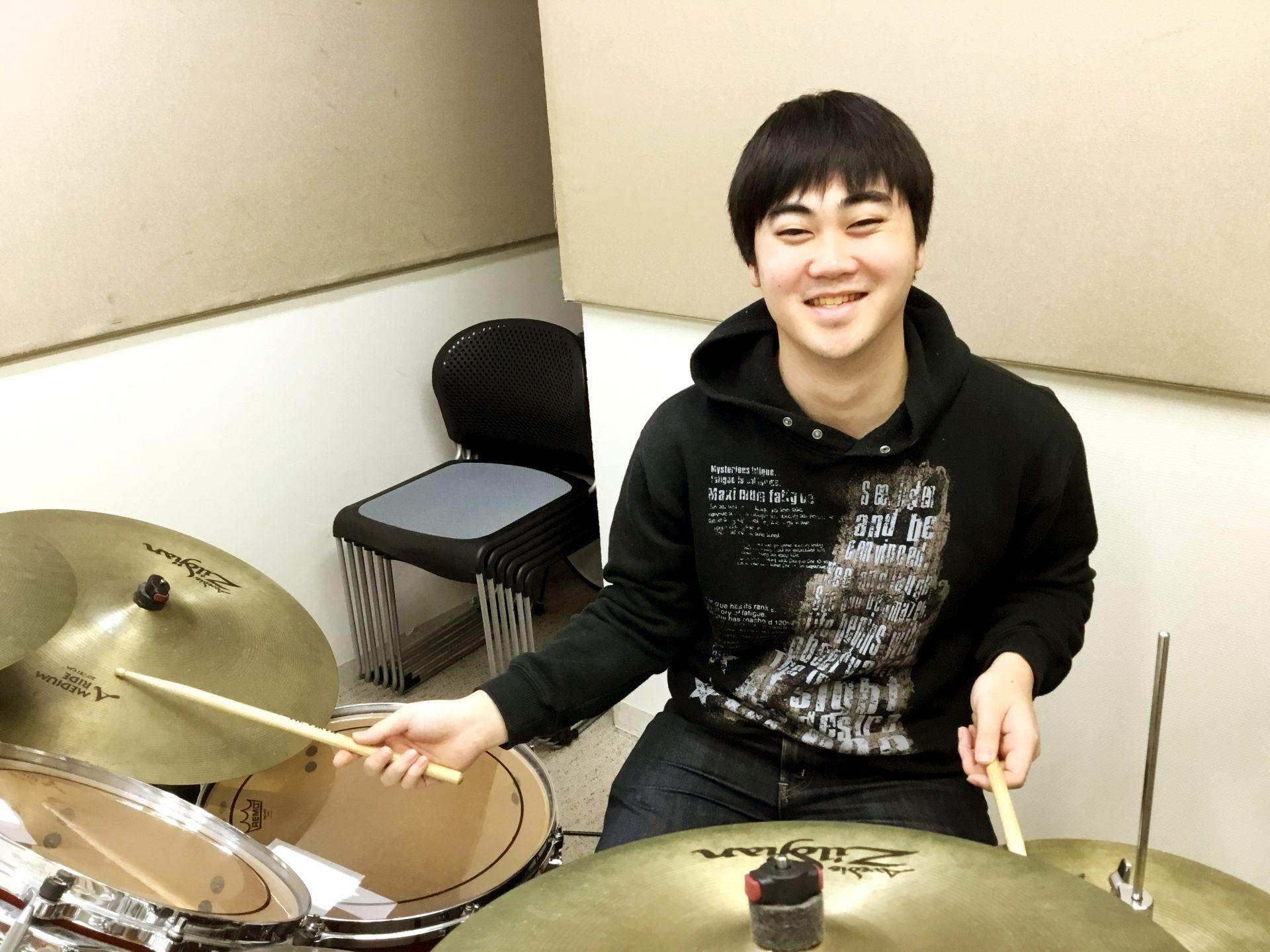 ドラム講師友田桂豪