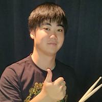 ドラム科講師/友田桂豪
