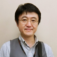 ギター科講師/南山裕司