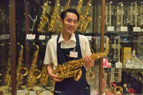 スタッフ写真管楽器梅津