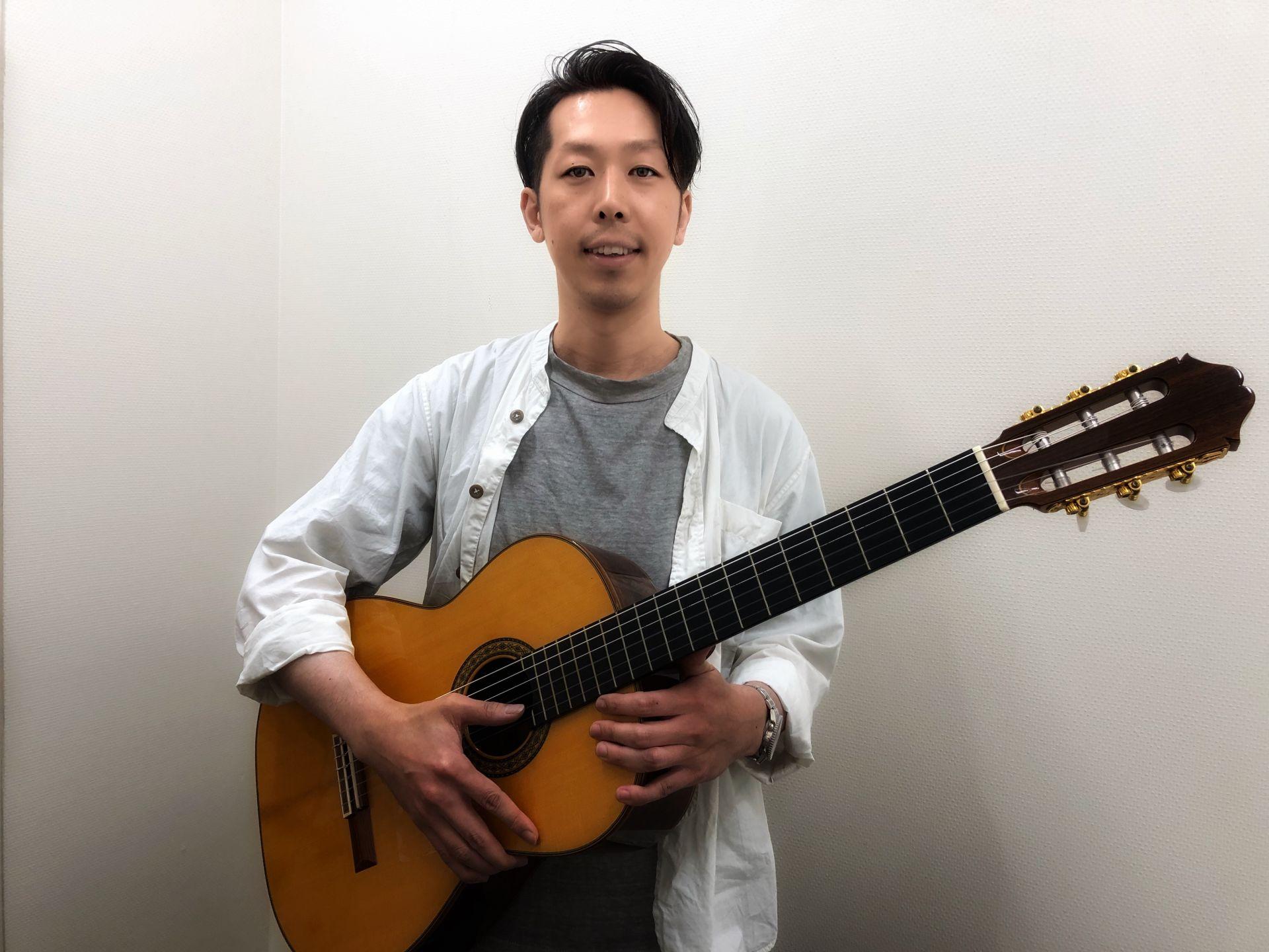 クラシックギター科広瀬典彦講師