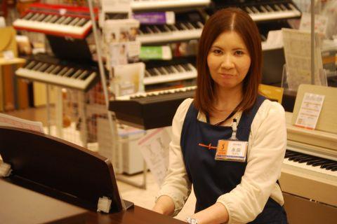 スタッフ写真ピアノ・キーボードなど永田