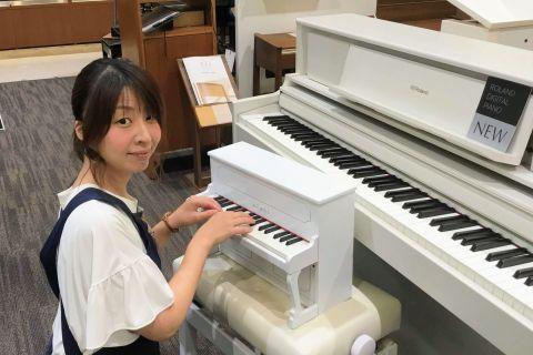 スタッフ写真スコア・STC担当(ピアノアドバイザー)石橋
