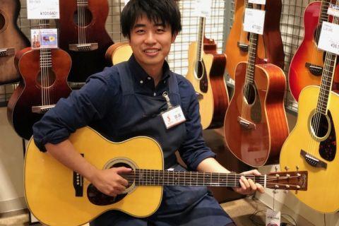 スタッフ写真アコースティックギター・アンプ・エフェクター・デジタル担当齋藤
