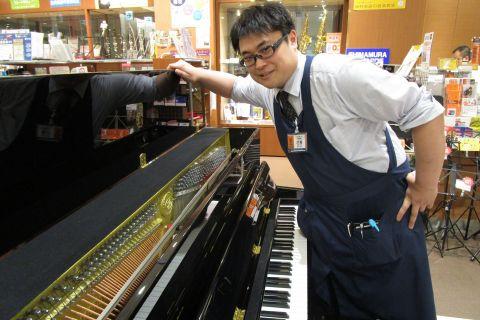 スタッフ写真ピアノ、音楽教室花房
