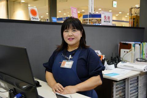 スタッフ写真レジカウンター・スコア・ファンシー田坂