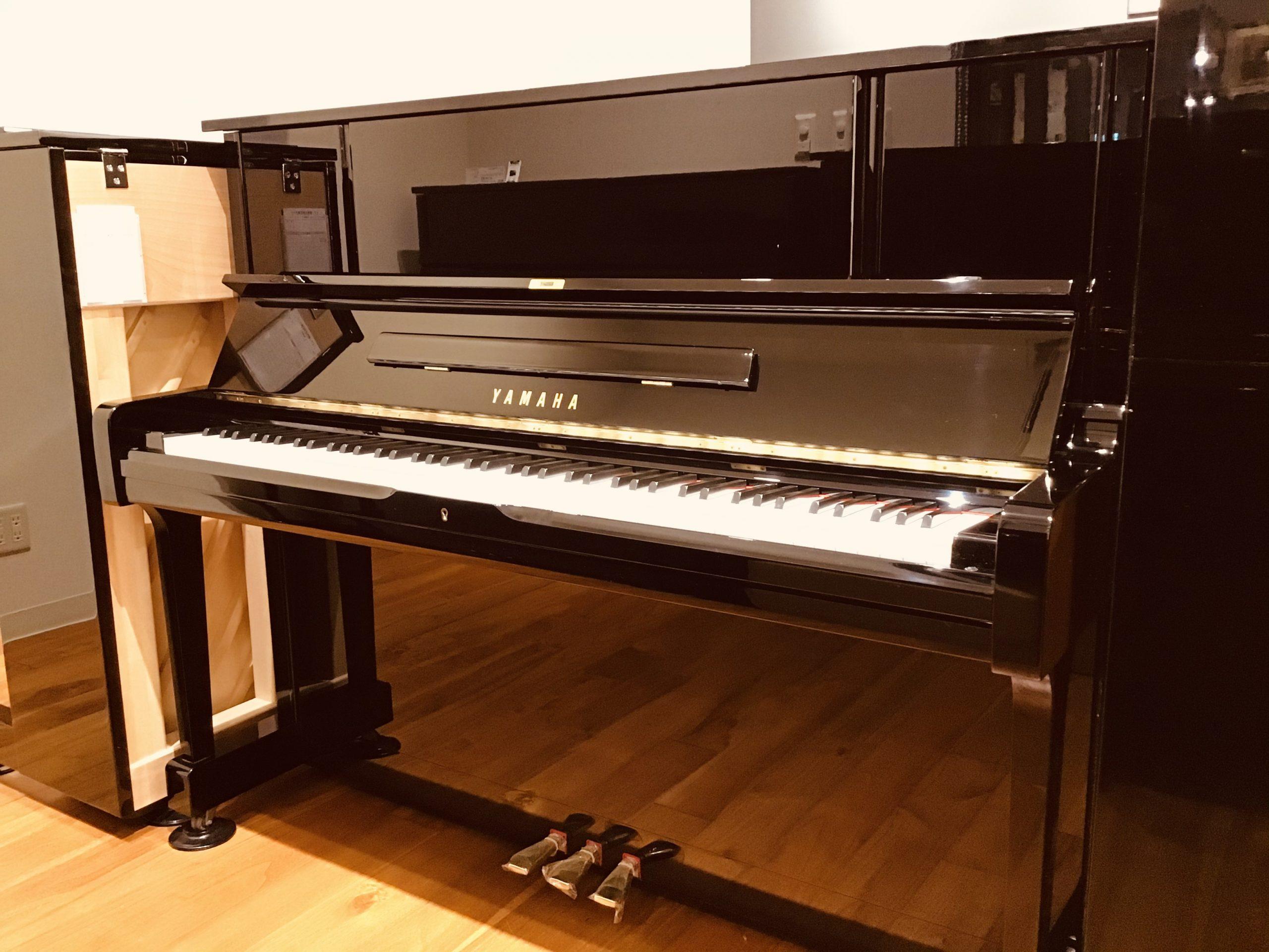 アップライトピアノUX1