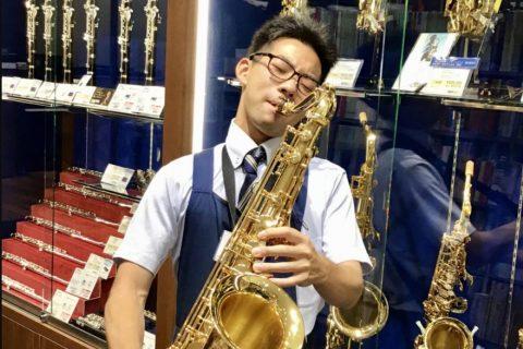 スタッフ写真エレキギター、アコースティックギター村上 瞭之介