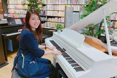 スタッフ写真ピアノ・管楽器・弦楽器小林