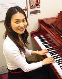 川口駅前音楽教室ピアノ教室レッスン講師近藤栄理子先生